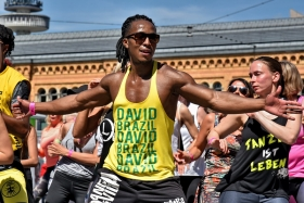 ZUMBA-FLASHMOB und Party-Marathon