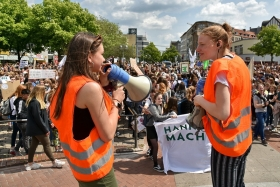 (C) Lothar Schulz 2019 - Protestbewegung erhöht den Druck - Fridays-for-Future-Demonstration in Hannover